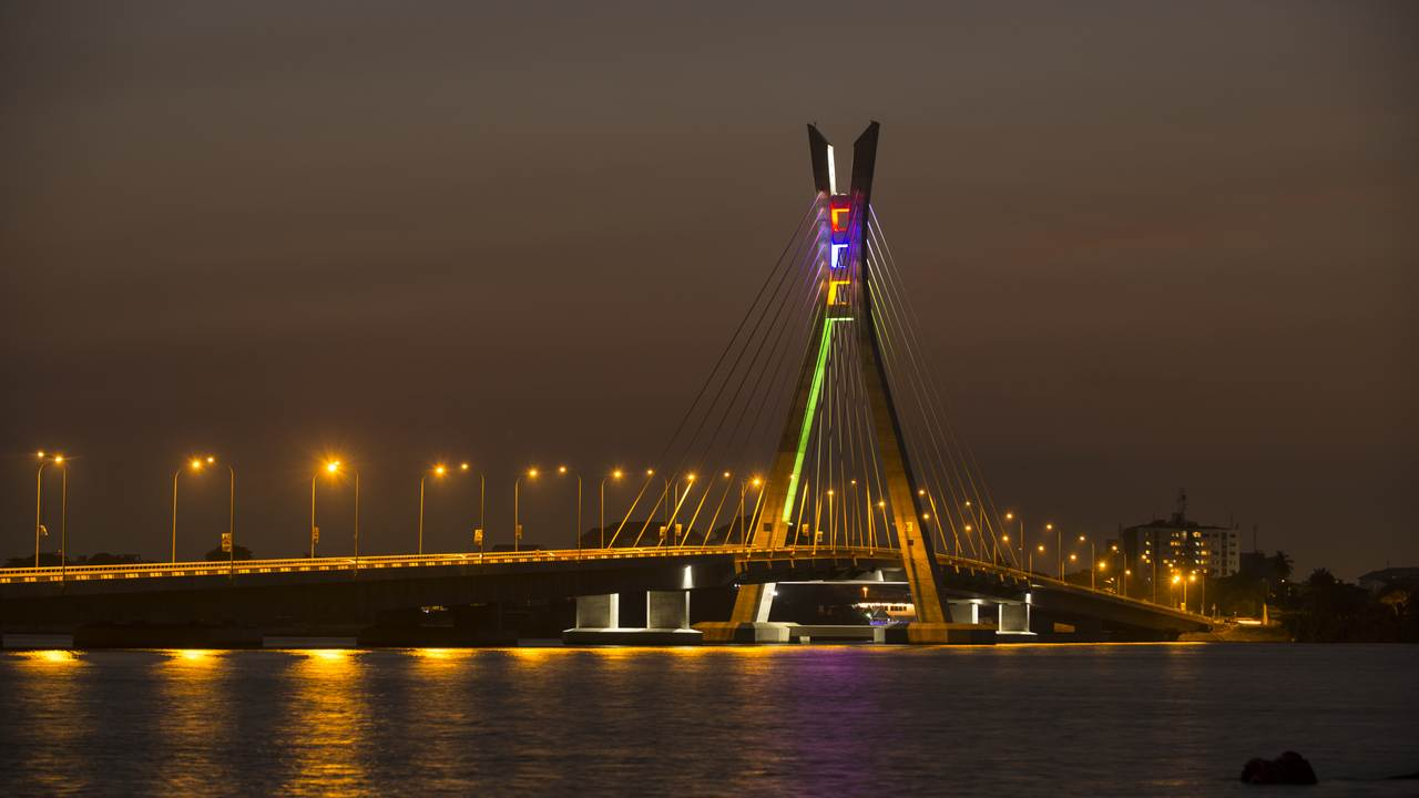 Night-time view of completed bridge beautifully lit up (julius-berger.com)